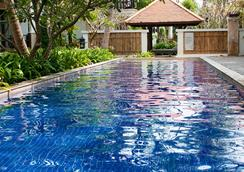 Rawi Warin Resort and Spa - Ko Lanta - Pool