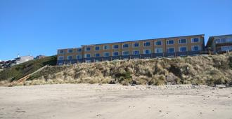Sailor Jack's Oceanfront Inn - Lincoln City - Edificio