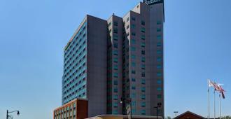 Radisson Hotel & Suites Fallsview - Niagara Falls - Building