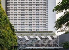 Vasa Hotel Surabaya - Surabaya - Building