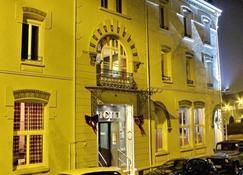 Hôtel 19'Cent - เลอ เครอโซท์ - อาคาร