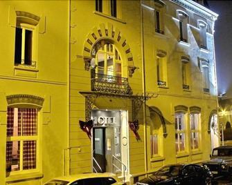 Hôtel 19'Cent - Le Creusot - Gebäude