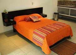 Hotel & Suites Mo Sak - Tapachula - Bedroom