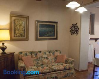 Villa Resort Scarperia - Scarperia e San Piero - Living room