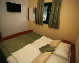 Holiday Resort Adriatic - Orebic - Camera da letto