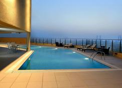 Marriott Executive Apartments Manama, Bahrain - Manama - Pool