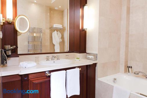Hotel Napoleon - Paris - Bathroom