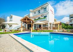 Maritina Apartments - Ialysos - Zwembad
