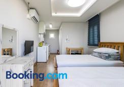 Bada Wi Olle Pension - Seogwipo - Bedroom