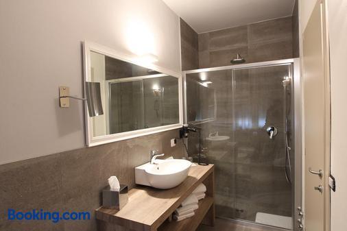 Hotel Globo - Formigine - Bathroom