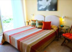 Hotel Bencista - Пиетрасанта - Спальня