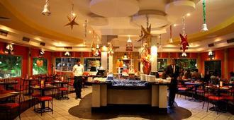 Polo Floatel Kolkata - כלכולתה - מסעדה