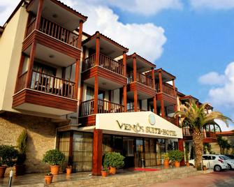 Venus Suite Hotel - Hieropolis - Gebouw