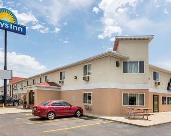 Days Inn by Wyndham Sioux City - Sioux City - Building