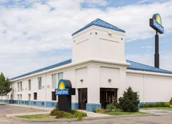 Days Inn by Wyndham Grand Island I-80 - Grand Island - Building