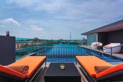 Nova Express Pattaya Hotel - Trung tâm Pattaya - Ban công
