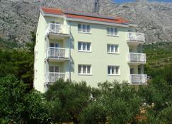 Apartments Ivana - Baška Voda - Edificio