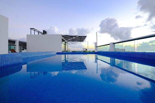 Coral Beach Condo - Playa del Carmen - Pool