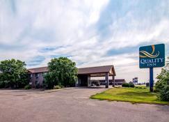 10 Best Hotels in Aberdeen, South Dakota  Hotels from $53/night - KAYAK