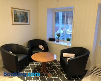 Balestrand Fjordapartments - Balestrand - Living room
