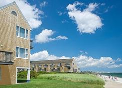 Ocean Mist Beach Hotel & Suites - South Yarmouth - Building