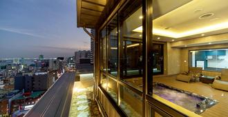 Gnb Hotel - Busan - Bedroom