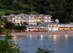 Gem Holiday Beach Resort - Сент-Джорджес - Здание