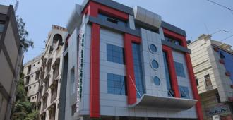 Hotel Preethi Palace - Ooty - Building