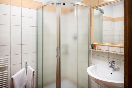 Hotel Caesar Prague - Prague - Bathroom
