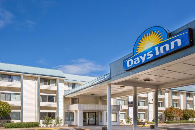 Days Inn by Wyndham Corvallis - Corvallis - Building