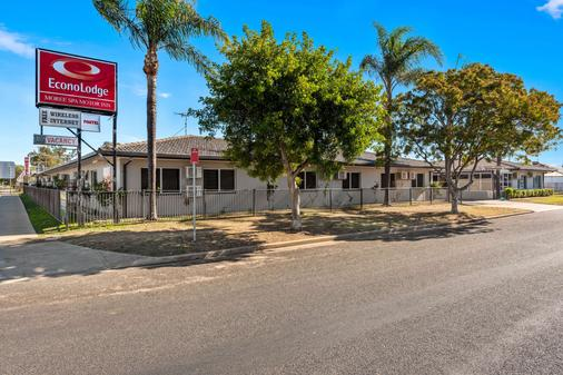 Econo Lodge Moree Spa Motor Inn - Moree - Building