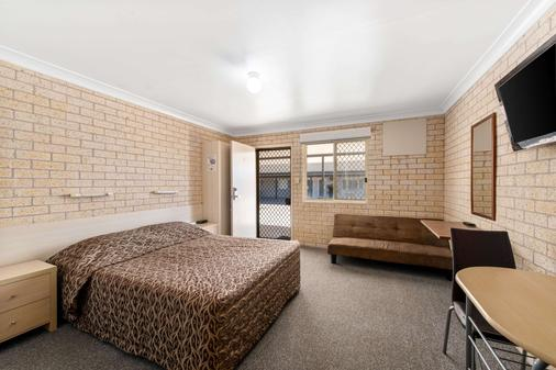 Econo Lodge Moree Spa Motor Inn - Moree - Bedroom