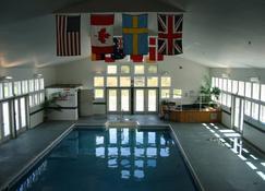 River View Resort - Bethel - Pool