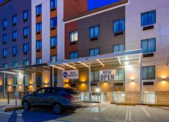 Best Western Far Rockaway/JFK Airport Area Hotel - Inwood - Building