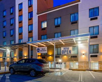 Best Western Far Rockaway/JFK Airport Area Hotel - Inwood - Edificio