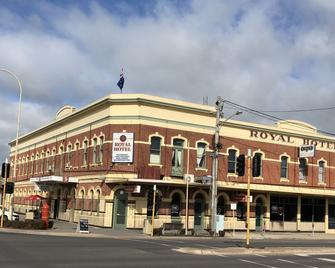 Royal Hotel - Хорсхам - Building