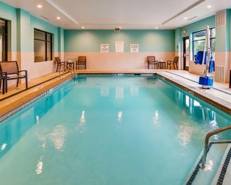 Best Western Plus Executive Residency Marion - Marion - Bazén