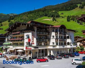 Hotel Central - Gerlos - Building