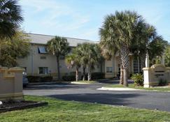 Quality Inn Ft Morgan Road-Hwy 59 - Gulf Shores - Building