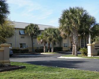 Quality Inn Ft Morgan Road-Hwy 59 - Gulf Shores - Edificio