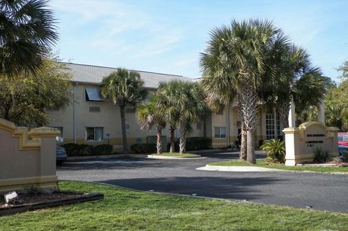 Quality Inn - Gulf Shores - Building