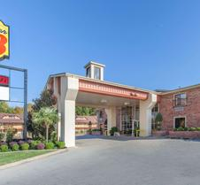 Super 8 by Wyndham Tyler TX