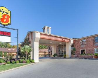 Super 8 by Wyndham Tyler TX - Tyler - Building