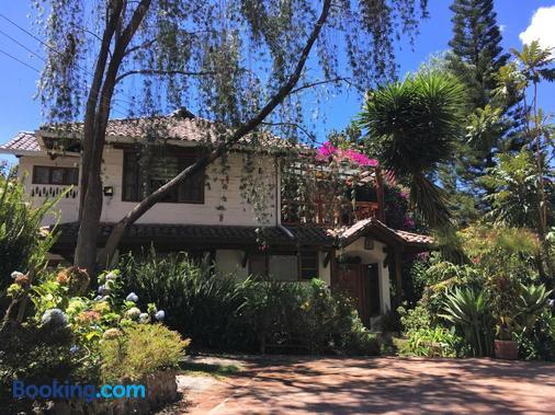 Casa Magnolia - Cumbayá - Building