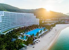 Vinpearl Resort & Spa Nha Trang Bay - Nha Trang - Building