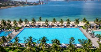 Vinpearl Resort & Spa Nha Trang Bay - Nha Trang - Pool