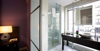 Opus Hotel Vancouver - Vancouver - Bathroom