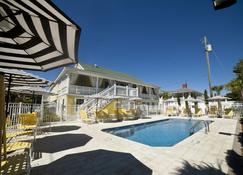 Georgianne Inn & Suites - Tybee Island - Pool