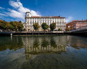 Hotel Continental - Rijeka - Building