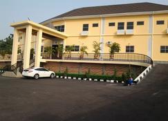 Best Choice Hotel & Suites Enugu - Enugu - Gebäude